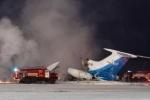 Nga: Kinh hoàng máy bay rơi và bốc cháy