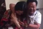 'Lột áo' phụ nữ trong nhà hàng, quan chức Trung Quốc bị đình chỉ