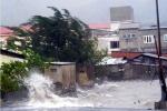 Cận cảnh miền Trung vật lộn với bão dữ