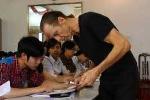 Cựu binh Mỹ mở lớp dạy tiếng Anh miễn phí
