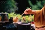 Thiền trà: Để hiểu và thương cuộc đời hơn