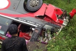 Kinh hoàng xe khách lao xuống vực, 11 người thương vong