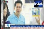 Clip: Toàn cảnh vụ du khách Việt quỳ khóc, van xin khi mua iPhone 6 ở Singapore