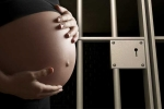 Nữ tử tù mua tinh trùng để mang thai trong trại giam gây rúng động