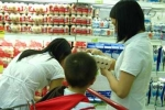 Rút tiền mừng tuổi mua sữa cho con