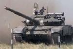 Xe tăng, pháo tự hành Ukraine tiến về miền Đông