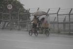 Cận cảnh siêu bão Utor càn quét Philippines