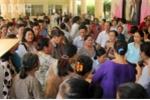 Bi thu Nguyen Thien Nhan den tham, dan Thu Thiem vay kin trinh bay buc xuc hinh anh 2