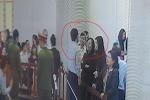 Clip: Bị cáo Đinh La Thăng tay xỏ túi quần, thoải mái nói chuyện