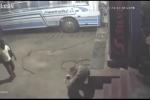 Lốp xe đang bơm phát nổ, một thợ chết thương tâm