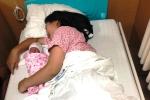 Sản phụ ở Vĩnh Phúc đẻ rơi con trên taxi