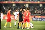 Thua ê chề trên sân nhà, fan Trung Quốc đổ lỗi cho trọng tài