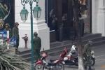 Báo nước ngoài kinh ngạc khi Lực lượng an ninh Việt Nam kiểm tra kỹ càng từng gốc cây, chậu cảnh