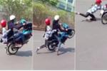Clip: 'Quái xế' bốc đầu xe máy khi chở bạn gái và cái kết đắng