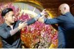 Ca sĩ Tuấn Hưng đấu võ, hát song ca cùng cao thủ Vịnh Xuân Flores