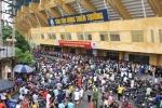 Trận Nam Định vs HAGL sốt vé, hàng ngàn CĐV vây kín sân Thiên Trường
