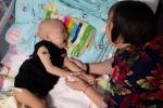 Xót đứt ruột bé trai 2 tuổi mắc ung thư gan bị mẹ nhẫn tâm bỏ rơi