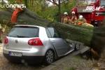 Gió mạnh khủng khiếp tấn công châu Âu, ít nhất 5 người chết