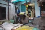 Truy tìm gốc tích bức tường bô rác 'buộc' gần 40 người sống chui rúc tại Sài Gòn