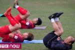 Clip: Thầy Park tận tình chỉ dạy 'bài lạ' cho U23 Việt Nam