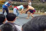 Clip cô gái quật ngã 2 đô vật nam giữa sới vật ở Bắc Ninh gây sốt dân mạng