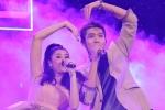 Mặc trời mưa, Tim – Trương Quỳnh Anh vẫn tình tứ trên sân khấu