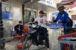 'Chặt chém' người gửi xe, nhân viên giữ xe Bệnh viện Bạch Mai bị đuổi việc