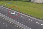 Ô tô quay đầu, chạy ngược chiều trên cao tốc Hà Nội – Hải Phòng