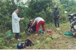 Bác sĩ phóng xe máy đến bìa rừng cứu sản phụ sinh con dọc đường