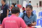 Hàng trăm người đội mưa tham dự Ngày hội Giọt hồng tri ân ở Hà Nội