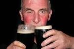 Vì sao lại đỏ mặt khi uống rượu?