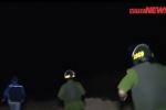 Video: Theo chân công an mật phục trong đêm bắt quả tang đại công trường gỗ lậu
