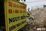 Mố cầu Đuống nứt toác, dân Hà Nội phải bỏ nhà bảo toàn tính mạng