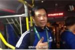 Hoàng Xuân Vinh đi xe bus về làng VĐV sau khi giành HCV, dân mạng Trung Quốc nói gì?