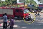 Clip: Nữ 'ninja' Lead hồn nhiên tạt đầu xe cứu hỏa trên phố Hà Nội