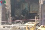 Cháy nhà lúc rạng sáng, 2 người lớn tuổi bị mắc kẹt bên trong