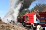 Xe đầu kéo chở sắt bốc cháy ngùn ngụt ở Phú Yên