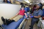 Xả súng đẫm máu ở Mỹ: Cảm động cảnh hàng trăm người xếp hàng hiến máu cứu nạn nhân
