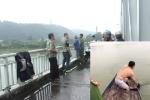 Công an lao mình xuống sông cứu sống người phụ nữ nhảy cầu ở Hà Tĩnh