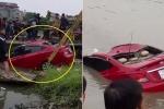 Clip: Trục vớt ô tô lao xuống sông lúc nửa đêm, 1 người chết ở Hải Dương