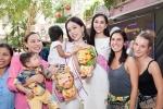 Top 3 Hoa hậu Việt Nam 2018 giản dị mang trung thu sớm đến trẻ em mồ côi