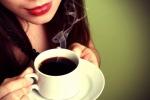 Uống 10 cốc cà phê/ngày, cô gái 30 tuổi có xương như cụ già
