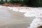 Áp thấp nhiệt đới đổ bộ: Mưa lớn suốt đêm gây vỡ đập ở Hà Tĩnh