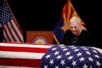 Nhung hinh anh dau tien trong le tang Thuong nghi sy John McCain hinh anh 5