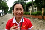 Video: Mẹ tiền đạo Văn Toàn dậy từ 5h sáng, háo hức lên Hà Nội đón con trai và đội tuyển