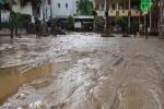 Nghệ An: Bùn cao ngang ngực người sau bão số 4