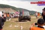 Video: Dân đội nắng xem tay đua 3 miền trổ tài đi xe địa hình tại Hà Tĩnh