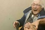 Cụ bà 99 tuổi nằng nặc đòi vào tù để trải nghiệm