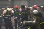 Cháy lớn ở xưởng ô tô Sài Gòn, hàng chục xe ô tô được 'giải cứu'