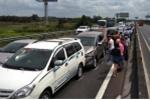 8 ô tô tông liên hoàn trên cao tốc Trung Lương, giao thông ùn tắc 10 km